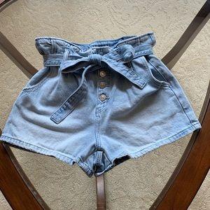 AE Paperbag Denim Mom Shorts - size 6